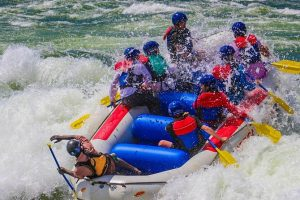 White water rafting on a 2 Days Jinja tour